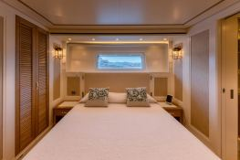 MY WAY  San Lorenzo Yacht 112 Interior 9