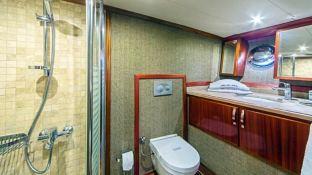 Perla Del Mar 2  bathroom