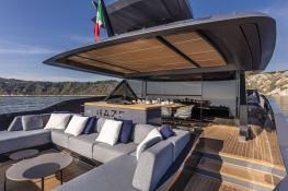 HAZE  Extra Yachts Extra 86 Exterior 3