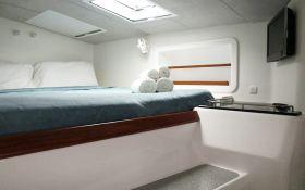 Voyage 520 Voyage Catamaran Interior 1