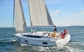 Bavaria 42 Bavaria Yachts Exterior 4