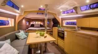 Oceanis  38 Beneteau Interior 1
