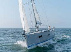 Oceanis  38 Beneteau Exterior 1