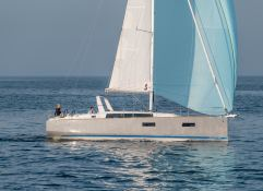 Oceanis  38 Beneteau Exterior 2