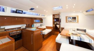Oceanis 485 with watermaker & A/C Interior 2