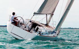 Dufour 40E Dufour Yachts Exterior 2