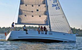 Dufour 40E Dufour Yachts Exterior 3