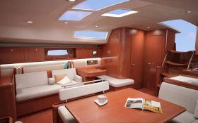 Oceanis  54 Beneteau Interior 1