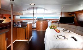 Cumberland 46 Fountaine Pajot Interior 2