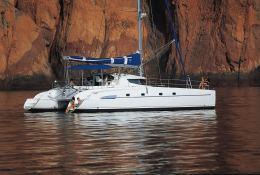 bahia 46 catamaran sailing