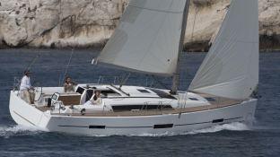 Dufour 410 Dufour Yachts Exterior 5