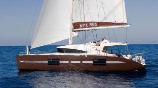 NYX 565 NYX Catamaran Exterior 4