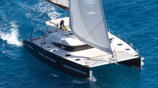 NYX 565 NYX Catamaran Exterior 2