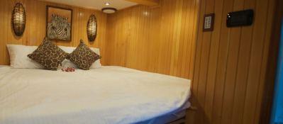 SHANGANI   Catamaran 70 Interior 2