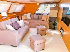 MYSTIQUE    Catamaran 70 Interior 13