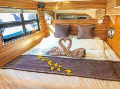 MYSTIQUE    Catamaran 70 Interior 5