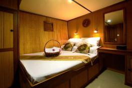 Raja Laut Schooner 100' Interior 6