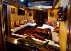 Raja Laut   Schooner 100' Interior 15