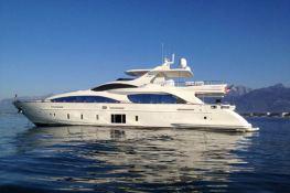 Stromboli  Azimut Yachts Azimut 105 Interior 1