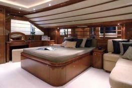 Camarik  Ferretti Yacht 34M Interior 4