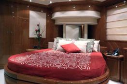 Camarik  Ferretti Yacht 34M Interior 5