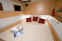 Argonauta V Sunreef Catamaran Sail 62' Interior 5