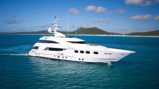Majesty Yacht 42M