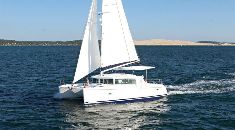 Location de bateaux Lagoon420