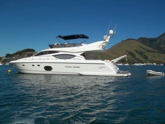 Location de bateaux Ferretti600