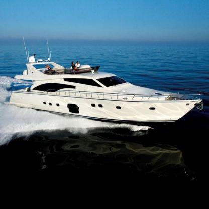 Location de bateaux Ferretti700