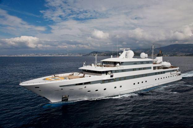 Location de bateaux Yacht90M