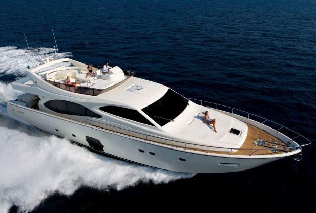 Location de bateaux Yacht76
