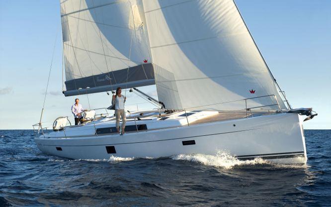 Location de bateaux Hanse445