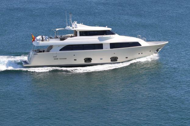 Location de bateaux Yacht85