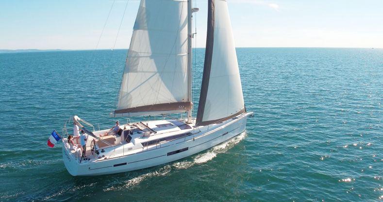 Location de bateaux Dufour512