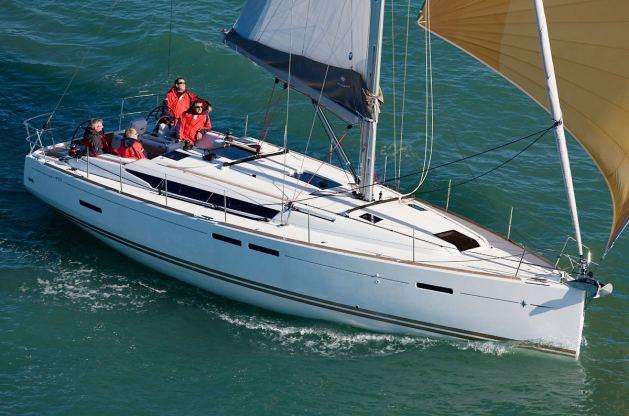 Location de bateaux Sun Odyssey439