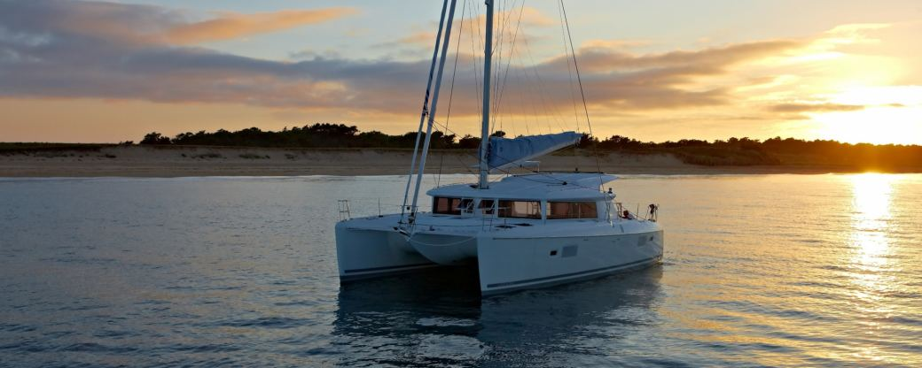 Location de bateaux Lagoon421