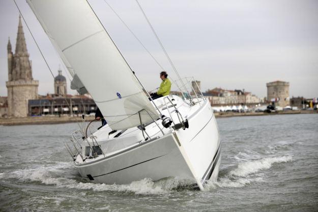 Location de bateaux Hanse375