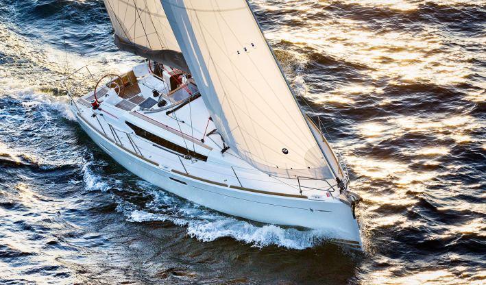 Location de bateaux Sun Odyssey379