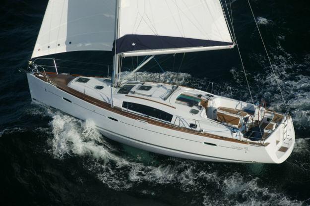 Location de bateaux Oceanis 40