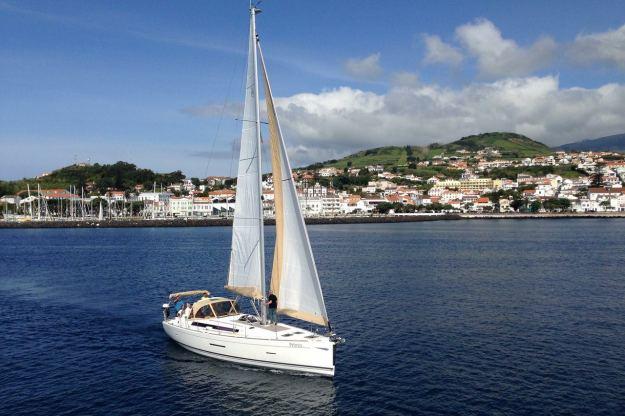 Location de bateaux Dufour485