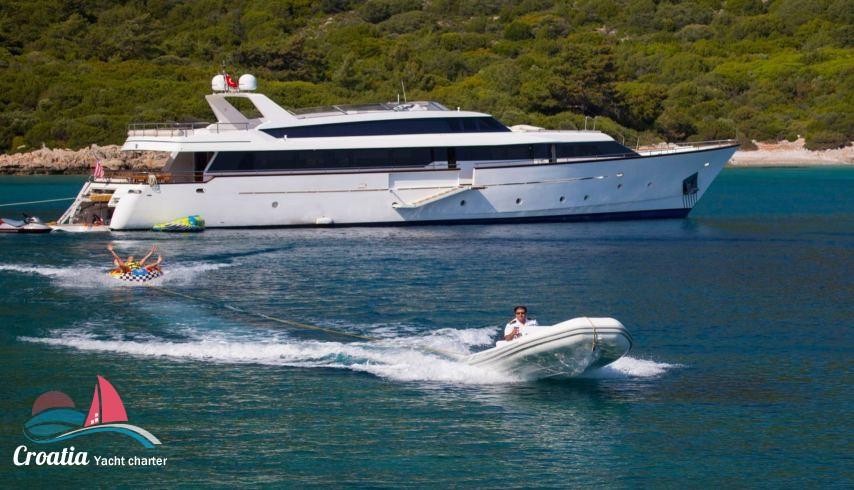 Croatia yacht Picchiotti Yacht 31M