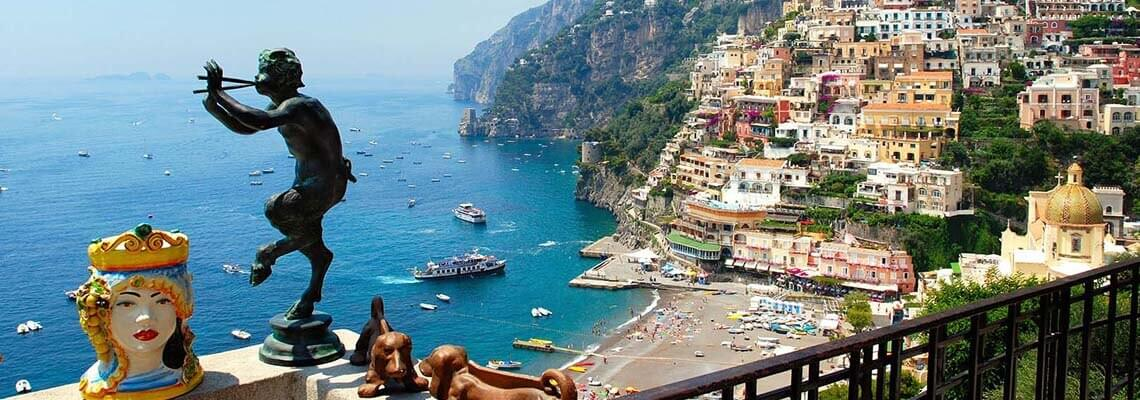 italy Taste to La Dolce Vita under the mediterranean sunMore than 300 yachts available to rent